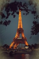 la tour Eiffel night version by maremerald