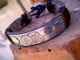 Doctor Who leather bracelet by gumex