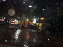 The WET night of outer DELHI.. by gotosumeet