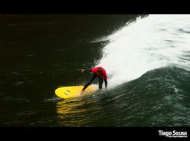Surfing by Tiagoto