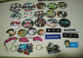 My Kpop Badges and Keychains by KpopGurl