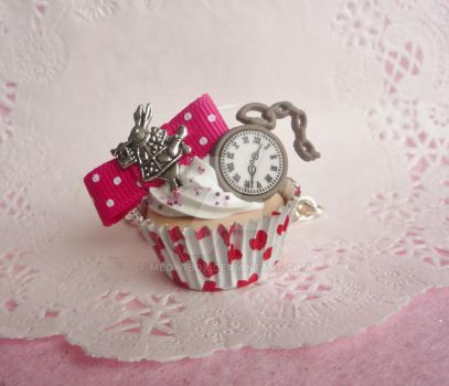 Alice in Wonderland Red Cupcake Necklace by Meow-Box