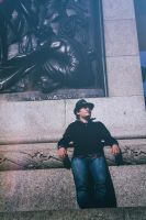 resting at nelson's column by pictobrony