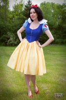 Snow White: Little Princess by Hello-Yuki