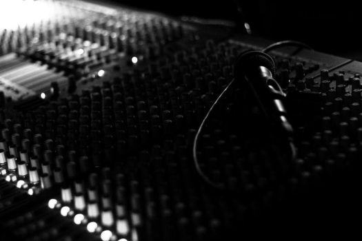 Microphone by TomiblaX