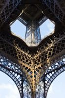 Eiffel Tower by Dyaeblca