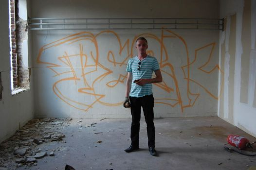 Me at BXL by dadouX