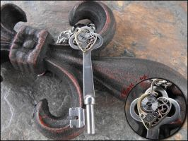 Steampunk Heart Skeleton Key by sha-shajewelry