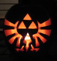 Triforce Pumpkin Carving by ladybug95