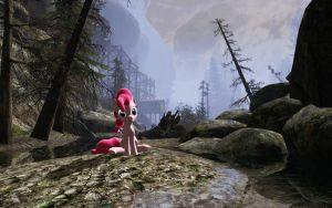 GMod Ponies: Pinkie sitting by BronyBiscuitBites