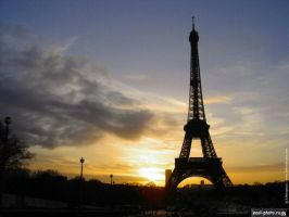 Eifel at sunset by Scribbles86