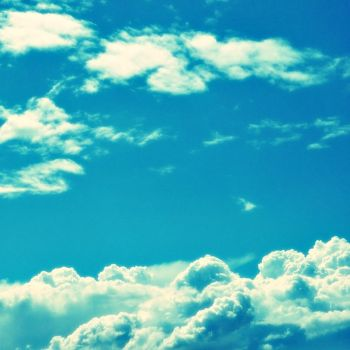 Clouds And Dreams by xXHizumi-loverXx