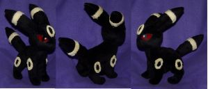 v2 Umbreon plush by YutakaYumi
