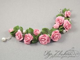 bracelet with pink roses by polyflowers