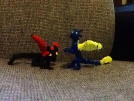 Eldaya and Stryd pipecleaner mini fingures by Bysthedragon