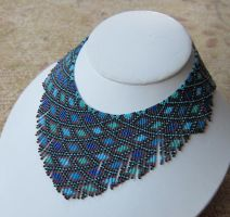 Helmineitsyt 1.2 seed bead necklace by AxmxZ