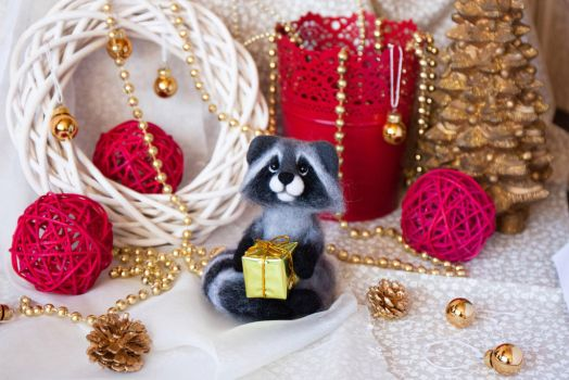 Christmas Raccoon by znmystery