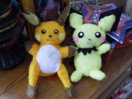 Raichu and Pichu Plushies by channellehazel