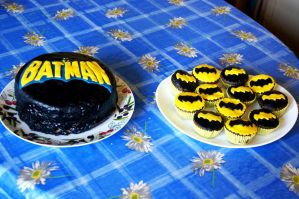 Batman birthday cake and cupcakes by dimebagsdarrell