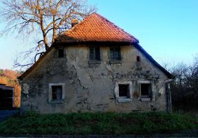 old house by ethnonaut