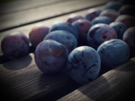 Plums. by k2ff