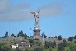 La Virgen del Panecillo by LukeFel
