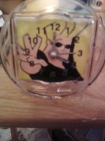 Johnny Bravo mini clock by cutiechibi