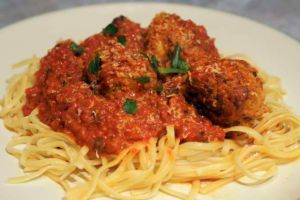 Spaghetti Meatballs by Maellanie