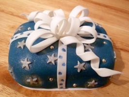 Mini Blue Present Cake by Rebeckington