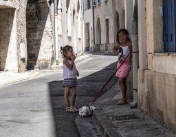 2 kids and a dog. Beaucaire. France by jennystokes