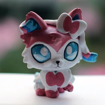 Sylveon LPS custom #4 by pia-chu