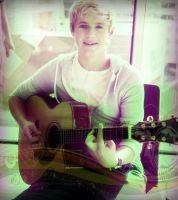 Niall by nommynee