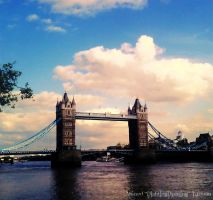 Tower Bridge by DishtingDishting