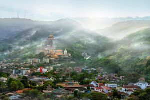 When the first light touch the valley.... by SAMLIM