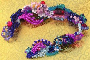 freeform bracelet by Craftcove