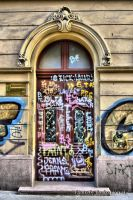 tradicional door and urban art by BorkoH
