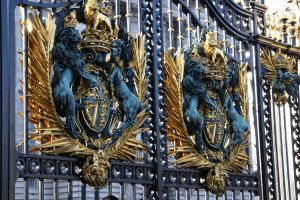Gates at Buckingham by Syagria