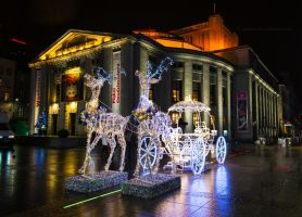 Carriage for Christmas by fotografka