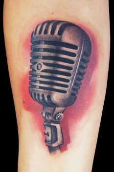 Mic by maximolutztattoo