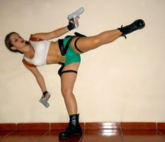 Lara Croft lateral kick by Val-Raiseth