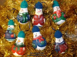 Lightbulb Snowmen Ornaments by Jetyra-Luck