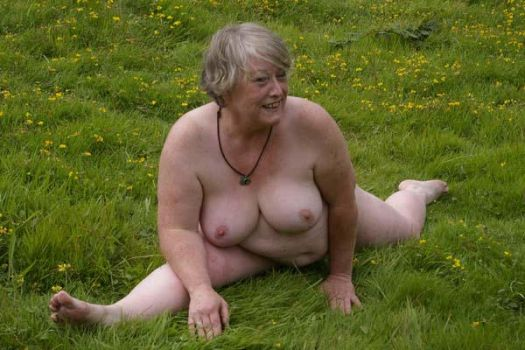 BBW in the meadow II by martinrobinson