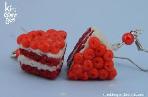 Red velvet cake earrings~ by kicat