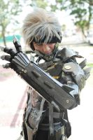 Metal Gear Rising Revengeance - Raiden closer shot by karlonne