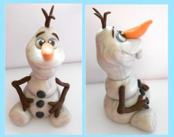 Sparkly Olaf Sculpture by SkipperSara