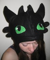 Toothless hat by FairyAnts
