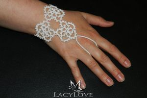 Tatted glove JULIE by LacyLoveHandmade