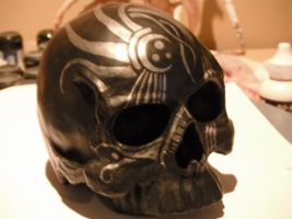 black+silver skull gift by Tommster