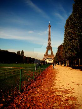 The Eiffel Tower by MrPhantom