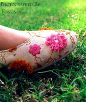 -- Her Shoes -- by FonDnesS